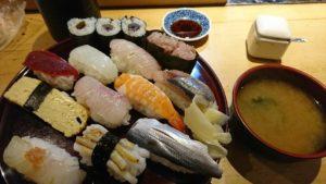 お寿司とお味噌汁