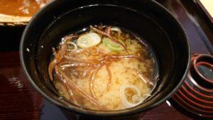お味噌汁のアップ